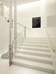 シャネルとアートの深い関係 モンテーニュ通りブティックを彩る12作品