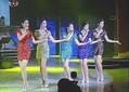 注目の美脚5人ユニット「女性五重唱」。名前など彼女たちのプロフィールは不明だ