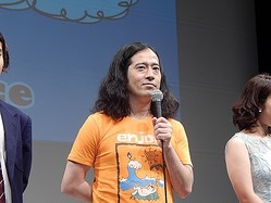 映画『海辺の週刊大衆』の舞台挨拶に登壇し作品への思いを語った又吉直樹