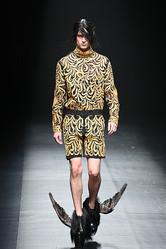 【ファッションウィーク2日目】新進デザイナーの現代的ファンタジー