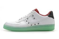ナイキがプロゴルファー石川遼モデルの「エア フォース 1」を発売