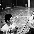 かさい・まさえ(写真左。右は大松博文監督)。1933年、山梨県出身。山梨県立巨摩高校卒業後、日紡に入社。日紡貝塚女子バレーボールチームで大松博文監督のもと国内外175連勝を達成。62年の世界選手権、64年の東京オリンピックで金メダル。2004年アテネオリンピック全日本女子バレーボールチーム団長。08年、世界バレーボール殿堂入り。