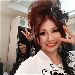 鈴華ゆう子と蜷川べに(画像は『Beni Ninagawa 2017年6月4日付Instagram』のスクリーンショット)