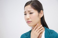 ない 咳 に が 止まら 喉 違和感