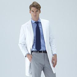 世界No.1の白衣ブランド目指す クラシコが海外に本格進出