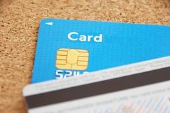 クレジットカードのサインは本名じゃなくてもいい? 意外に知らないカードのサイン