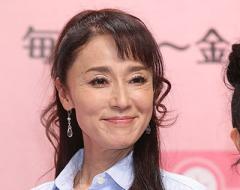 浅野ゆう子 恋人急逝8カ月…誕生日会で久しぶりの笑顔見せる
