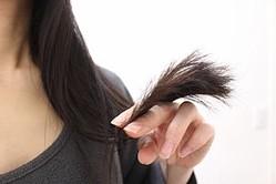 くせ毛 を ストレート に する 方法