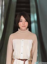 花澤香菜、公式サイトで1stアルバム「claire」の全曲一挙試聴をスタート