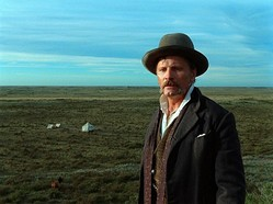 ヴィゴ・モーテンセンは製作、音楽も担当! - 映画『約束の地』より