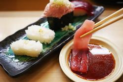【炎上】寿司のシャリを残す女子 / 世間に反論「ラーメンのスープは残していいのに寿司はダメなの?」
