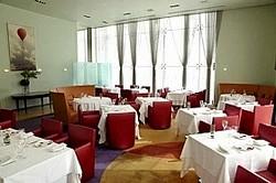 「レストラン ファロ資生堂」メーンダイニング