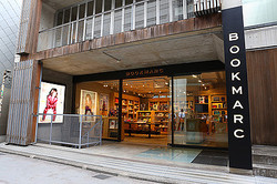 原宿にマークジェイコブスの本屋<br>「BOOKMARC」がオープン