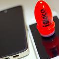 スマホディスプレイを保護する最新アイテム「フッ素コーティング」が凄い