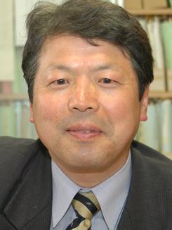 11日、共謀罪についてインタビューに答えた民主党の平岡秀夫衆院議員。(撮影:徳永裕介)