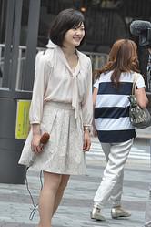 NHK「次期看板アナ」との呼び声も高い佐々木彩アナ。脚線美にも注目