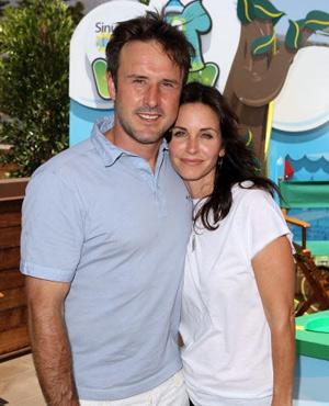 デヴィッド・アークエット、別居して2年の妻コートニー・コックスとの ...