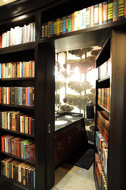本棚の裏に隠し部屋?! 実際にあった!誰もが憧れる「秘密の部屋」