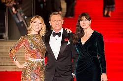 モニカ・ベルッチ(『007 スペクター』のプレミアでレア・セドゥ、ダニエル・クレイグと)
