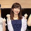 左から宮崎美穂(AKB48)・石田晴香(AKB48)