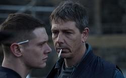 ロケは実在する刑務所で行われた - 映画『名もなき塀の中の王』より  - (c)STARRED UP FILMS LIMITED AND CHANNEL FOUR TELEVISION CORPORATION 2013