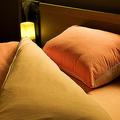 明るい部屋で寝ると太る? 食欲抑制ホルモンが分泌されにくくなる