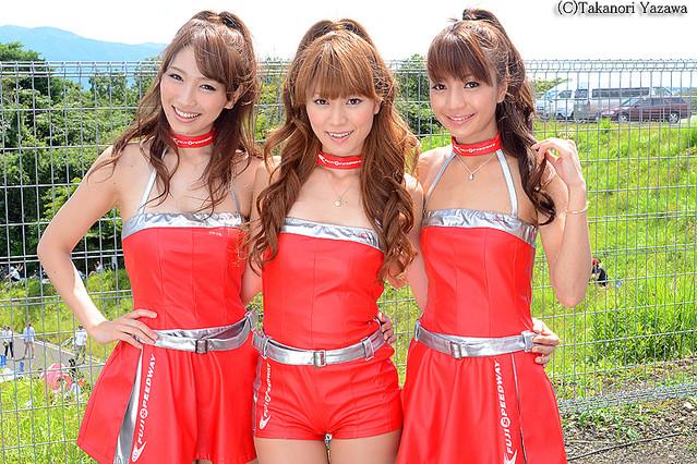 富士スピードウェイイメージガール「CRANES」