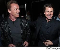 シュワ&トムがついに初対面、映画業界最大のトレードショーで。