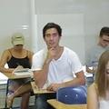 授業中に寝るための「裏技」 米ソーシャルサイトで話題に