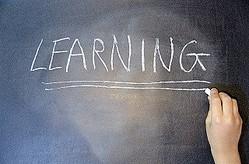 小さいときに習っておけばよかったと思う習い事ベスト3「3位:楽器」「2位:習字・ペン習字」1位は?