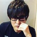 『THE LAST』シャツを着るスガシカオ(出典:https://www.instagram.com/suga_shikao)