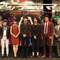 (左から)濱田龍臣、剛力彩芽、松坂桃李、綾野剛、鈴木亮平、佐藤東弥監督