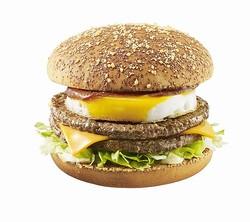 マックのロコモコバーガー復活、「食べてみたい」との要望多く。