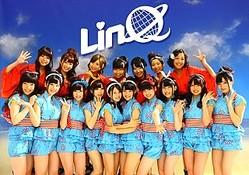 福岡のアイドルグループ・LinQのパネル展が「コトブキヤ福岡天神」で開催中