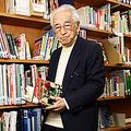 インタビューは神戸市立中央図書館の一室「神戸賀川サッカー文庫」で行なった。賀川さん所有のサッカー関連蔵書の一部が受託され、昨年4月から一般公開されている