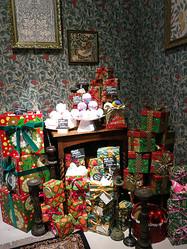 LUSHが2013年クリスマスコレクション発表 デヴィッド・ボウイ風ギフトなど