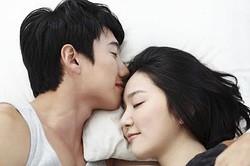 ドキドキがとまらない! 女子が萌える男性の行動&しぐさ「私の腕にしがみついて寝る姿とかヤバイ」