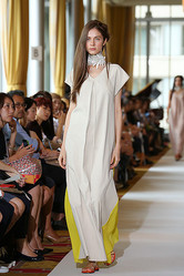 2014年春夏コレクションスタート「サポート サーフェス」自然に溶け込む服