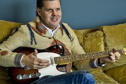 再起動する老舗ギターメーカー・フェンダーがつくる、プレイヤーのための「エコシステム」