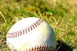 本塁打&打率は下がり、防御率は上がった今シーズン。来年も統一球は使用すべきだと思いますか?