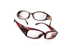 JINSが花粉対策用メガネを発売、カット率は92%
