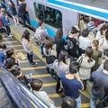 混雑度が最も激しい通勤区間は? 国土交通省調査のランキングTOP10