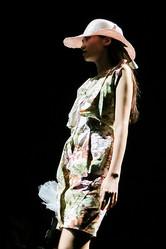 東京産ピッグスキンをファッション素材に 2ブランドがショー