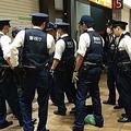 男性老人を職質にかける警察官 (1) copy