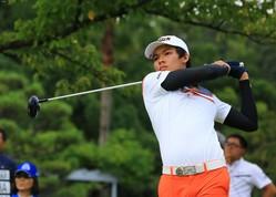 パチャラ・コンワットマイはトータル8アンダーで首位を守った(撮影:赤澤亮丈)