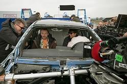 サイモン・ペッグのこの表情……! - サイモンと笑顔のトム・クルーズ  - (C) 2015 Paramount Pictures. All Rights Reserved.