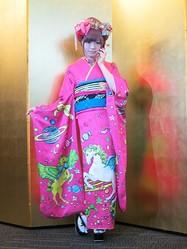 きゃりーぱみゅぱみゅ振り袖で渋谷区成人式に登場 ミニライブも