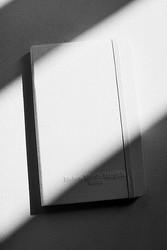 マルジェラとモレスキンの白い限定ブック 9月発売