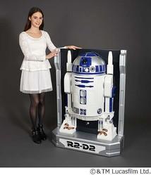 """1/1サイズでしゃべる「R2-D2」、バンダイ特殊技術で""""半立体""""に。"""