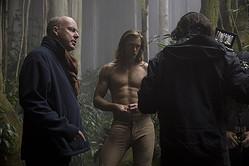 『ターザン:REBORN』撮影中のデイヴィッド・イェーツ監督とアレクサンダー・スカルスガルド